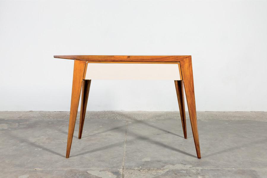 Mod. Desk